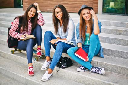 Site de rencontre pour les jeunes : une bonne ou une mauvaise idée ?